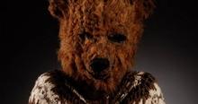 """ตำนานสยอง """"1999"""" รายการปริศนาของชายชุดหมี ที่จับเด็กๆ มาบูชายัญ"""